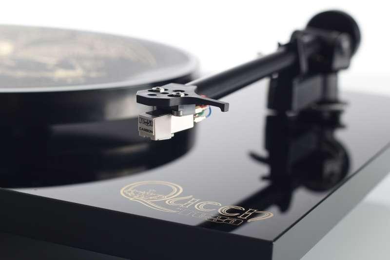 Queen by Rega Gramofon w edycji limitowanej.