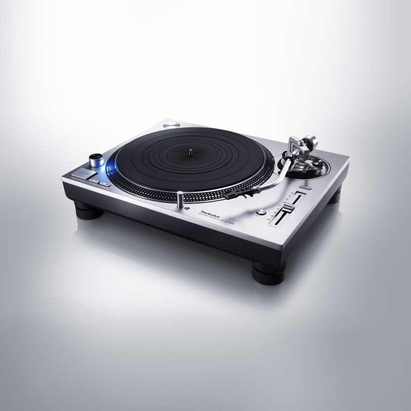 Technics SL-1200GR gramofon direct drive.