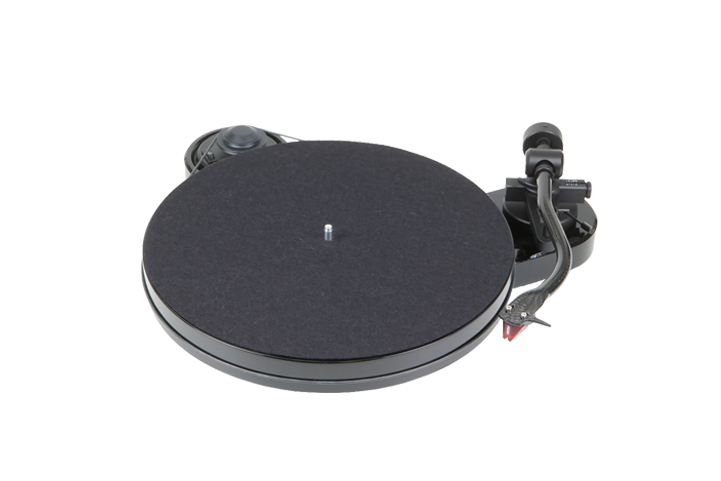 Pro-Ject RPM 1 CARBON 2M gramofon