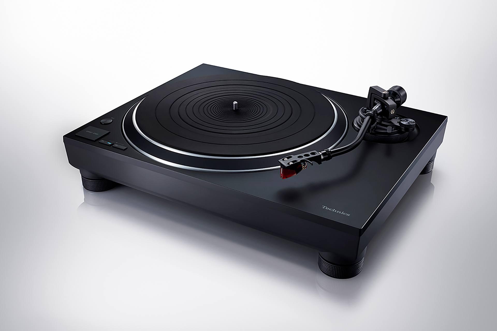 Technics SL-1500C EG-K gramofon