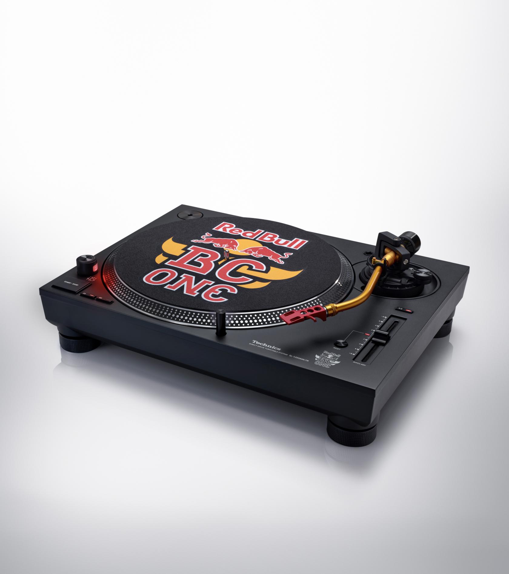 Technics SL-1210 MK7RE gramofon Edycja limitowana red bull